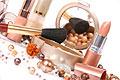 Ежегодно в организм женщины попадает 3 кг химических веществ c косметикой