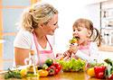 Как научить ребенка любить овощи