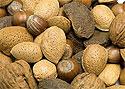 Орехи и вино спасут память и поднимут настроение