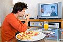 К чему может привести длительный просмотр телевизора?