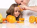 Фруктовые соки способствуют повреждению зубной эмали