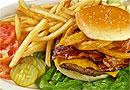 Эксперты назвали самые вредные для здоровья детей продукты питания