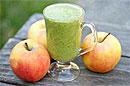 Повысить иммунитет ребенка в сезон гриппа и простуд помогут яблоки и свежие смузи