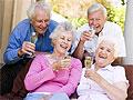Умеренные дозы алкоголя в пожилом возрасте защищают от слабоумия