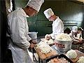 В ВДВ вернут военных поваров и пекарей