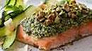Жирная морская рыба и орехи очень полезны для зрения