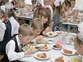 Обстановка в столовой влияет на количество съеденного и правильность рациона ребенка