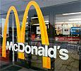 Половина россиян считает, что рестораны McDonald's надо закрыть