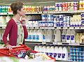 Молочные товары отделят от суррогатов на полках российских магазинов